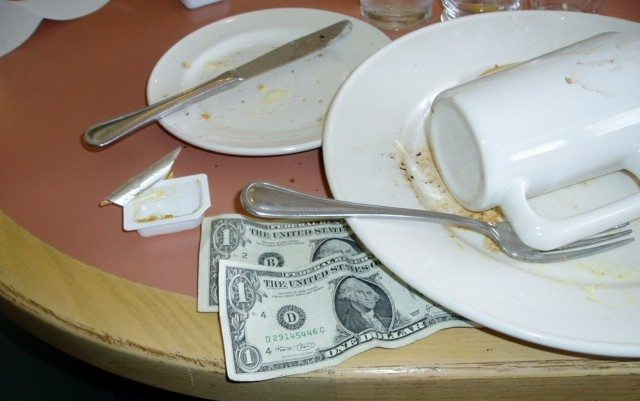 A Guide On How To Tip In The Usa