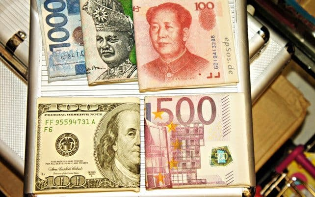 What You Need To Know About Exchanging Currency Overseas